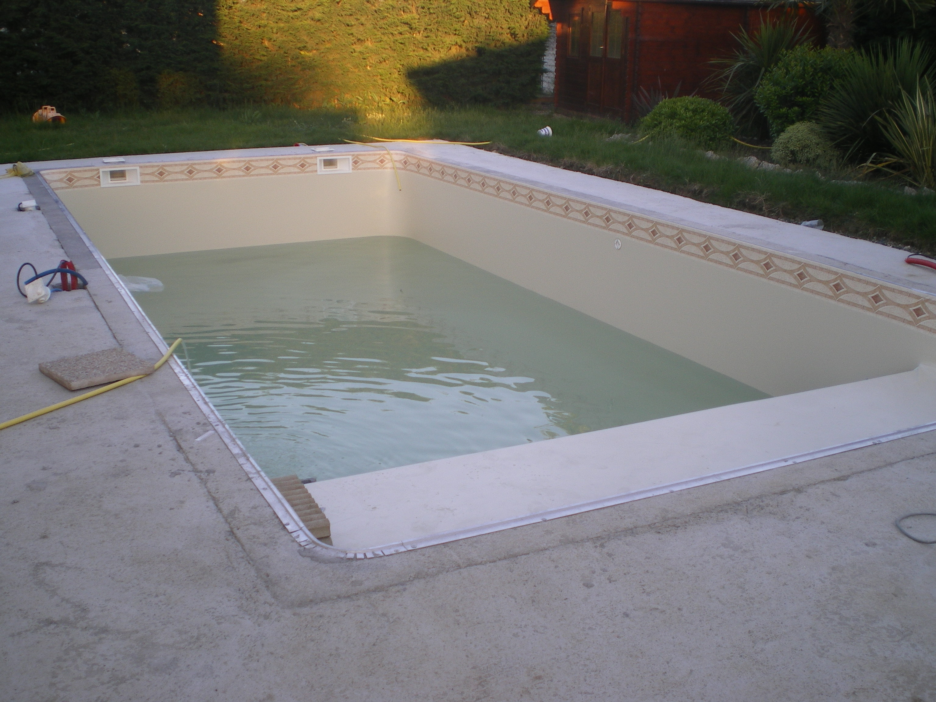 Etape 7 mise en place du liner et remplissage for Construction piscine toulouse
