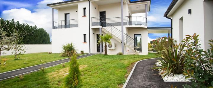 Maison contemporaine de 86 m2 à Longages 2