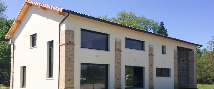 Maison traditionnelle de 193 m2 à Ondes 1